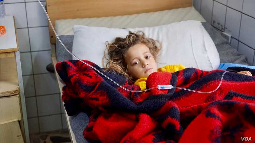 """Surgeons are struggling to save the leg of three-year-old Noor after an airstrike injured her two weeks ago as the Mosul offensive started. """"I want to see it, I want to see what happened to me,"""" she told her aunt."""