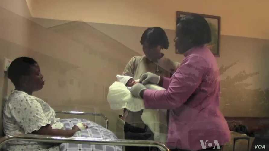 Nigeria Recruits Midwives to Save Lives