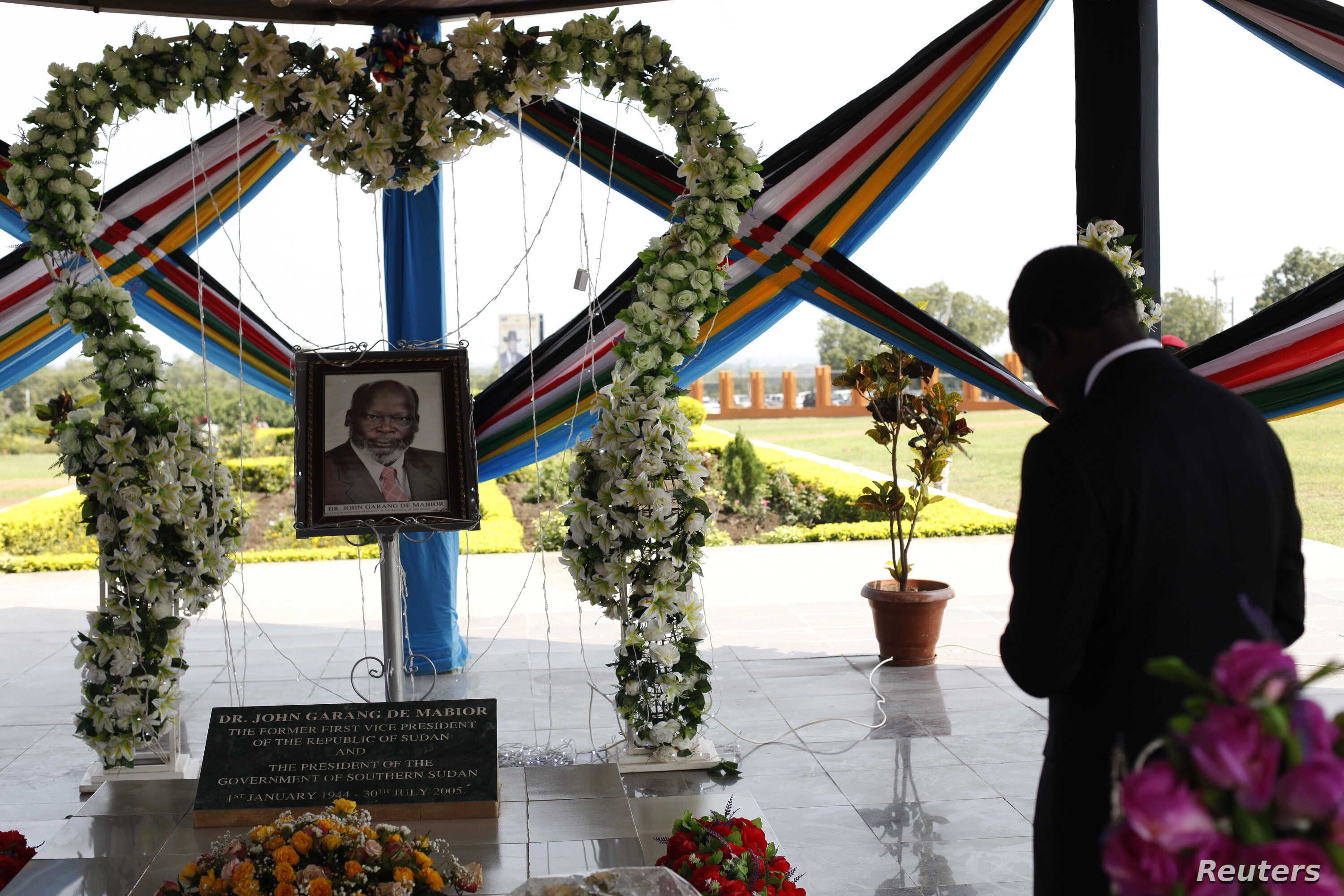 South Sudan's President Salva Kiir prays at the John Garang Memorial during events marking the third anniversary of South Sudan's independence in Juba, July 9, 2014.