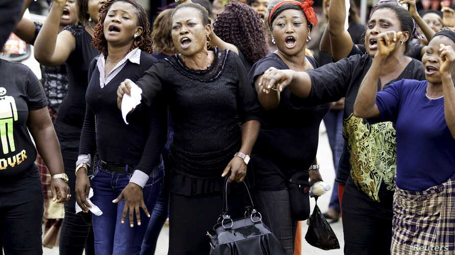 Women from communities in Rivers state protest against irregularities in voting in the weekend's election, at Port Harcourt, Nigeria, March 30, 2015.