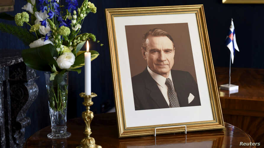 A memorial photo of the former Finnish President Mauno Koivisto, at the presidential castle in Helsinki, Finland, May 13, 2017.