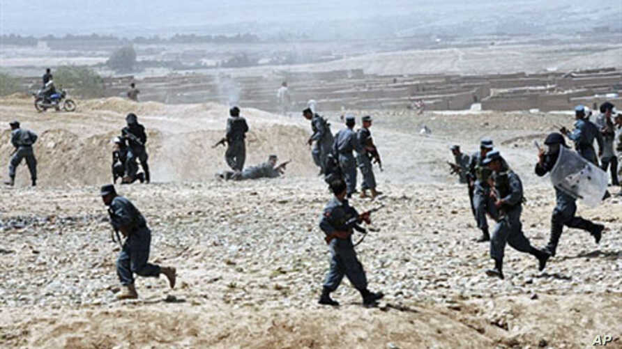 Afghan police open fire on a crowd of Hazara Afghans on the outskirts of Kabul, 13 Aug 2010