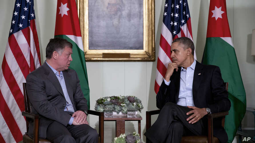 President Barack Obama, right, meets with Jordan's King Abdullah II at The Annenberg Retreat at Sunnylands, Rancho Mirage, California, Feb. 14, 2014.
