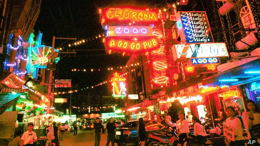 A night scene of the red-light district in south Pattaya in Chonburi province, 70 kilometers south of Bangkok (2000 file photo).