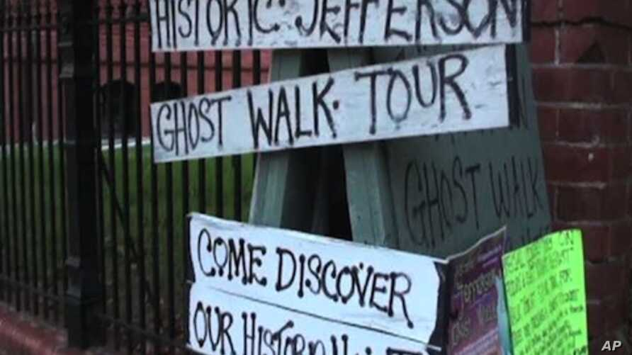 Tours of places thought by some to be haunted by ghosts are given in Jefferson, Texas