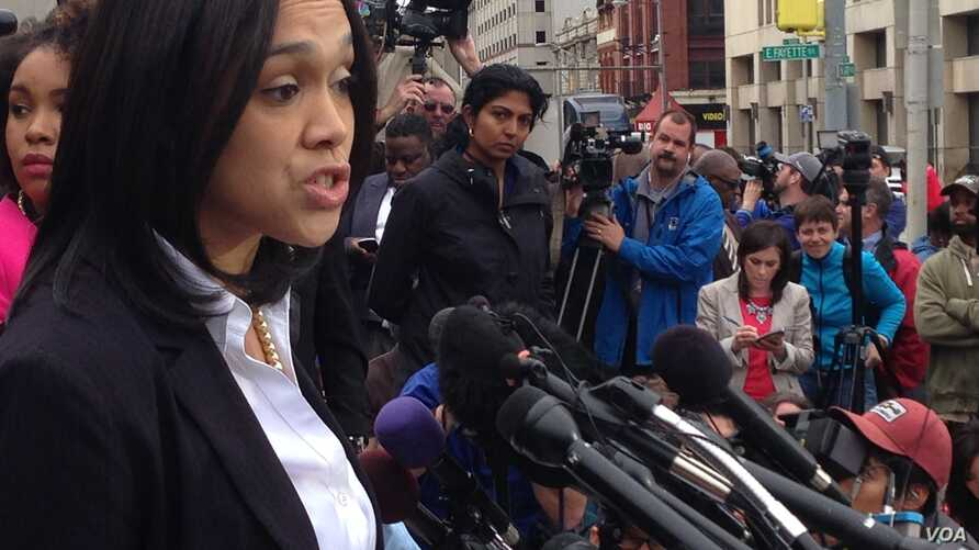 Maryland State's Attorney, Marilyn Mosby announces charges against Baltimore police officers in connection with the death of Freddie Gray, in Baltimore, May 1, 2015. (Photo: V. Macchi / VOA)