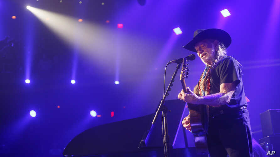 Willie Nelson performs at the iTunes Festival during the SXSW Music Festival in Austin, March 15, 2014.