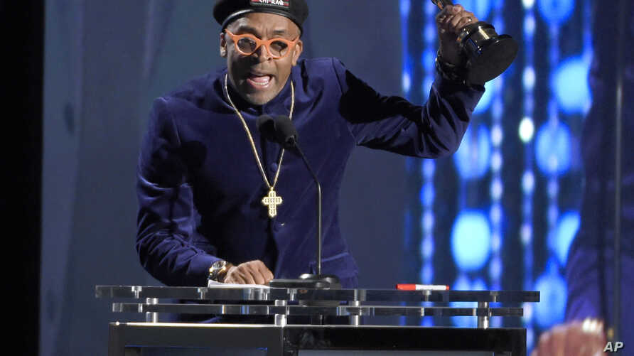 Spike Lee accepts an honorary Oscar at the Governors Awards at the Dolby Ballroom, Nov. 14, 2015, in Los Angeles.