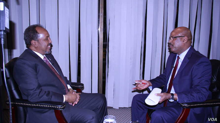 Somali President Hassan Sheikh Mohamud is interviewed by VOA Somali news service chief Abdirahman Yabarow in Voice of America's headquarters in Washington, April 21, 2016.
