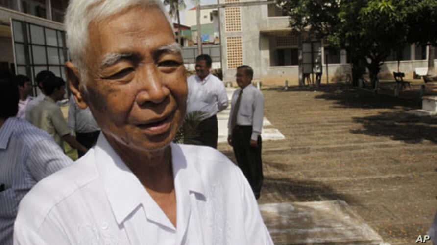 Vann Nath is seen at Tuol Sleng genocide museum, formerly Khmer Rouge's notorious S-21 prison in Phnom Penh, Cambodia, August 9, 2011.