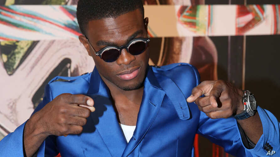 OMI arrives at the MTV Video Music Awards at the Microsoft Theater on Aug. 30, 2015, in Los Angeles.