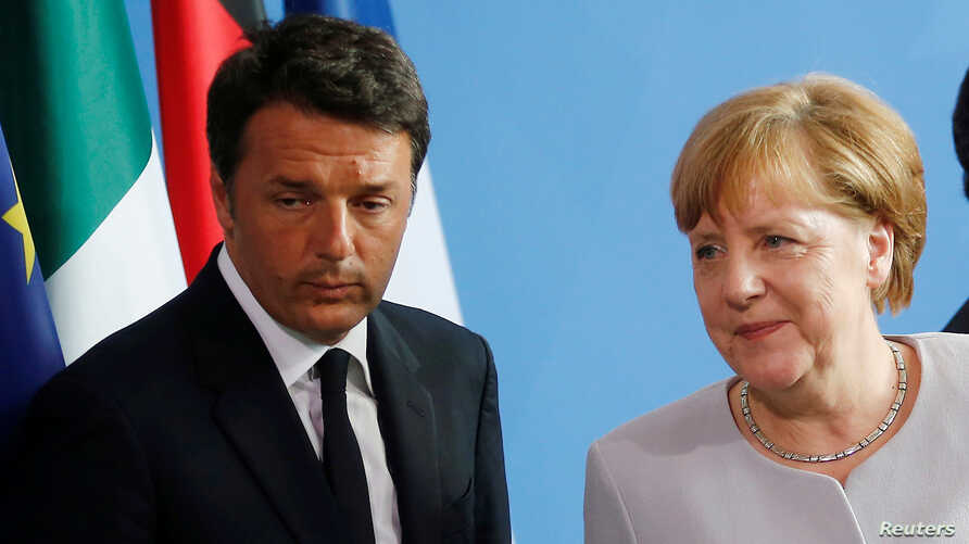 FILE - German Chancellor Angela Merkel (C), French President Francois Hollande (R) and Italian Prime Minister Matteo Renzi attend a news conference at the chancellery during discussions on the outcome of the Brexit in Berlin, Germany, June 27, 2016.
