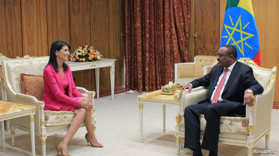 U.S. Ambassador to the United Nations Nikki Haley (L) meets with Ethiopian Prime Minister Hailemariam Desalegn in Addis Ababa, Ethiopia, Oct. 23, 2017.