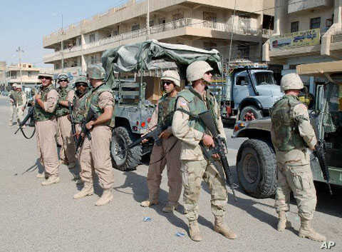 US troops in the Iraqi city of Fallujah (file photo)