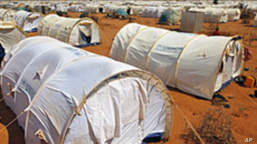 Somali Refugees Move to New Site in Kenya