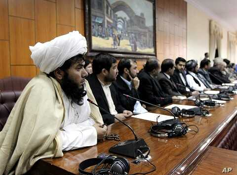 Members of the Afghan parliament attend a session in Kabul (file photo)