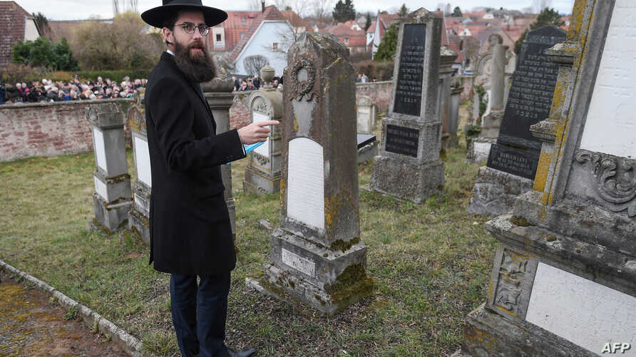 Strasbourg Chief Rabbi Harold Abraham Weill during a remembrance ceremony at the Jewish cemetery of Quatzenheim, eastern France, on March 3, 2019.