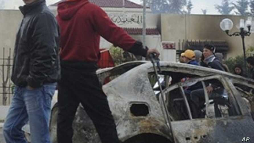 Tunisian Security Forces Clash With Youths in Fresh Protests