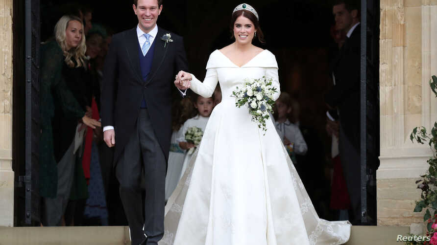 Princess Eugenie and Jack Brooksbank on the steps of St George's Chapel in Windsor Castle, Windsor, Britain, Oct. 12, 2018.