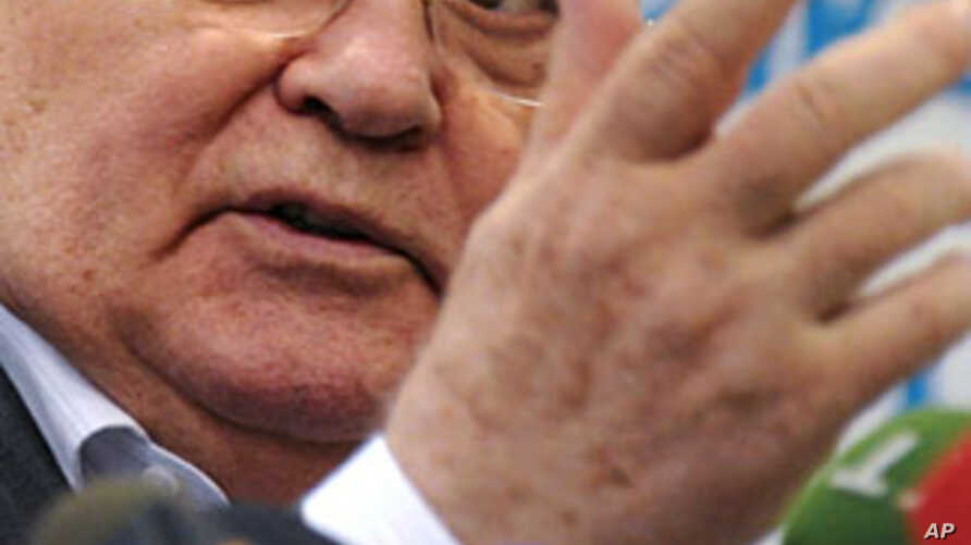 Soviet ex-president Mikhail Gorbachev speaks during his press conference in Moscow on August 17, 2011
