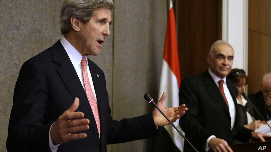 U.S. Secretary of State John Kerry, left, speaks to the media with Egyptian Foreign Minister Mohammed Kamel Amr, at the Ministry of Foreign Affairs in Cairo, March 2, 2013.