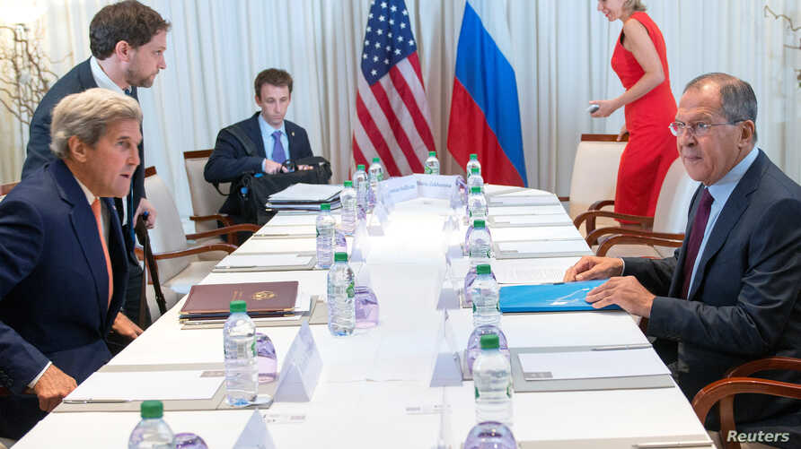 U.S. Secretary of State John Kerry (L) and Russian Foreign Minister Sergei Lavrov (R) during a bilateral meeting focused on the Syrian crisis in Geneva, Switzerland, August 26, 2016.