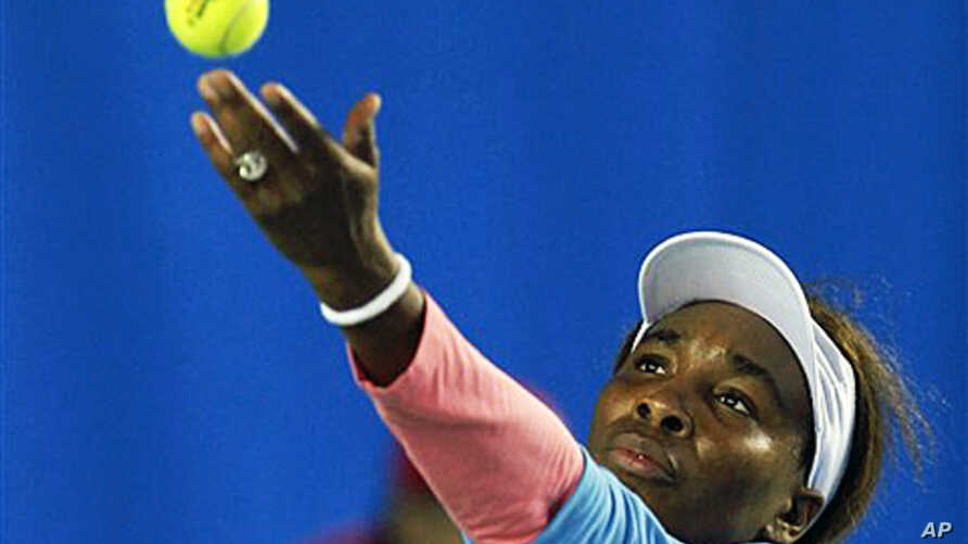 American tennis player Venus Williams serves against Li Na of China in the third days of the Hong Kong Classic exhibition tournament, 07 Jan 2011