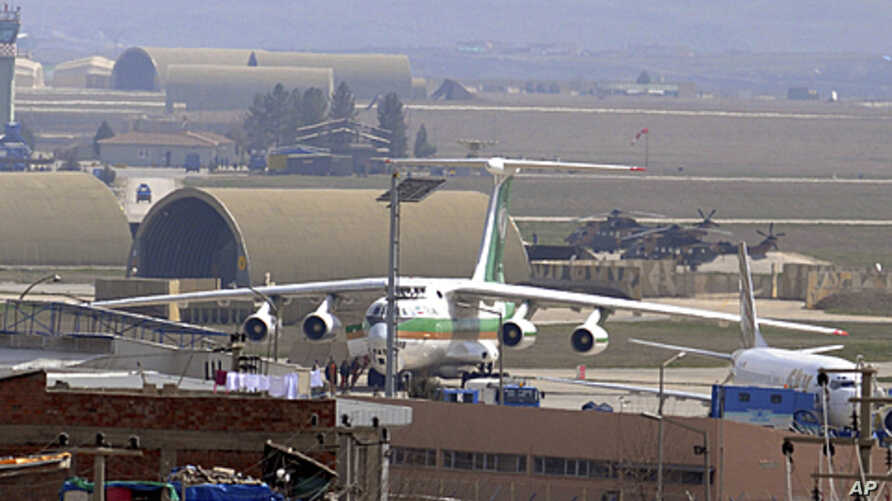 An Iranian airplane, which was forced to land, sits at the tarmac at Diyarbakir airport, southeastern Turkey, March 16, 2011 (file photo).