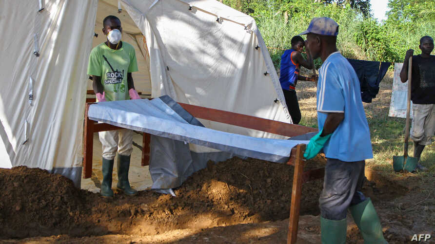 Doctors Without Borders (MSF) staff set up a cholera treatment field camp in Longo, 15 km from Bangui, Central African Republic, Aug. 16, 2016.