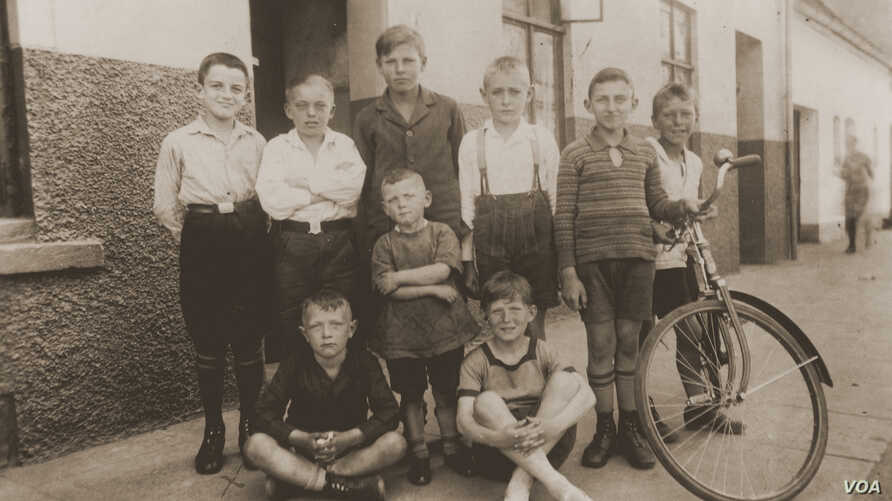 A 1929 photo shows neighborhood boys in Bremen, Germany. It's part of a special exhibit at the U.S. Holocaust Memorial Museum that inspired an art installation by Hungarian students studying anti-discrimination. (US Holocaust Memorial Museum, courtes