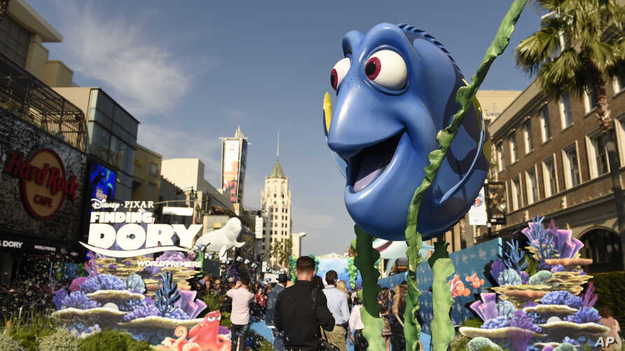 """FILE - A giant replica of the animated character Dory is seen at the premiere of """"Finding Dory"""" at the El Capitan Theater in Los Angeles, California, June 8, 2016."""