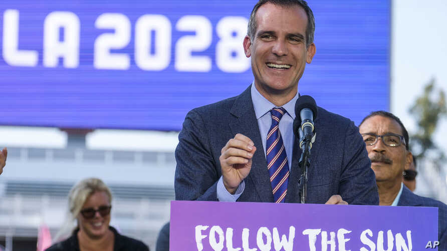 Los Angeles Mayor Eric Garcetti announces an agreement for the city of Los Angeles to host the 2028 Olympic Games from Carson, California, July 31, 2017.