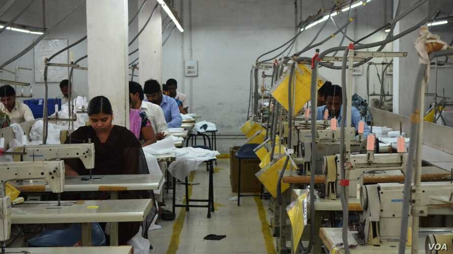 Garment factories in South Asia employ more women compared to other industries. (A. Pasricha/VOA)
