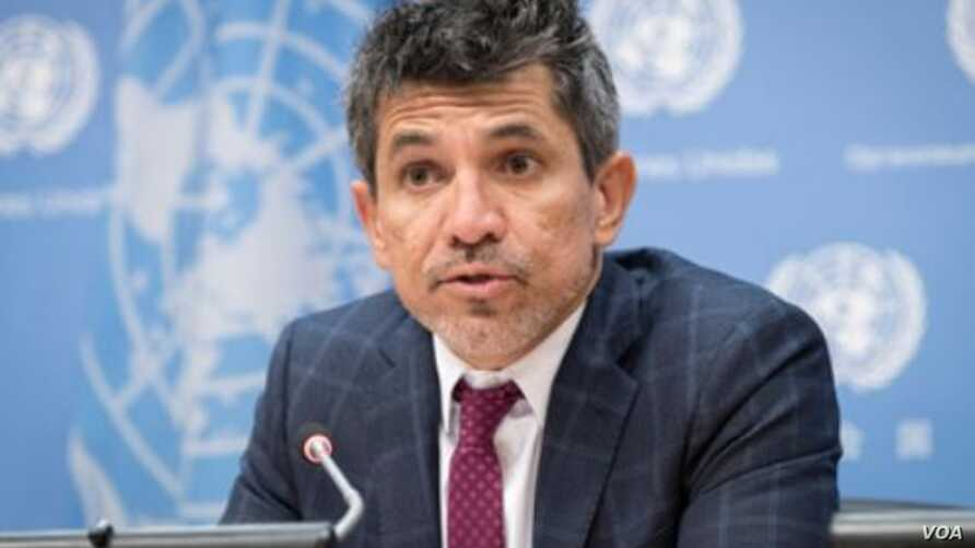 Victor Madrigal-Borloz, independent expert on protection against violence and discrimination based on sexual orientation and gender identity, briefs journalists at the United Nations in New York, Oct. 25, 2018. (M. Garten/U.N. photo)