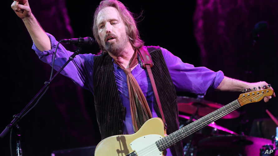 Tom Petty and the Heartbreakers performs at The Hangout Festival on May 18, 2013.