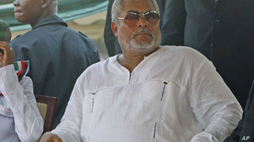 Ghana's former president Jerry Rawlings attends the inauguration ceremony of John Atta Mills at the independence square in Accra, January 7, 2009 (file photo)