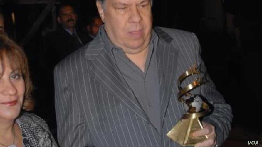 Egypt's iconic musician, composer and singer Ammar Elsherei honored with top award at Cairo's International Film Festival in 2010 (Courtesy M. Al-Kaffas-Elsherei)
