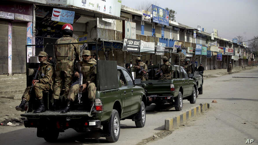 Pakistan army soldiers patrol in the vicinity of the army training camp in Mardan near Peshawar, Pakistan. (File)