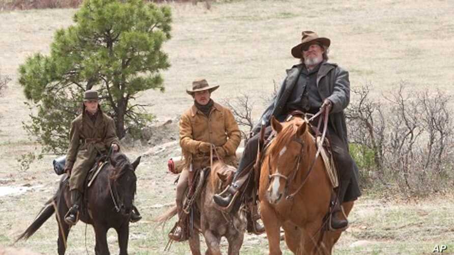 """Left to right: Hailee Steinfeld plays Mattie Ross, Matt Damon plays LaBeouf, and Jeff Bridges plays Rooster Cogburn in Paramount Pictures' """"True Grit."""""""