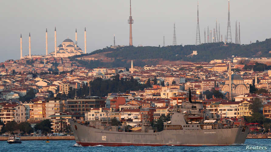 The Russian Navy's landing ship Nikolai Filchenkov sails in the Bosphorus, on its way to the Black Sea, in Istanbul, Turkey September 12, 2018.