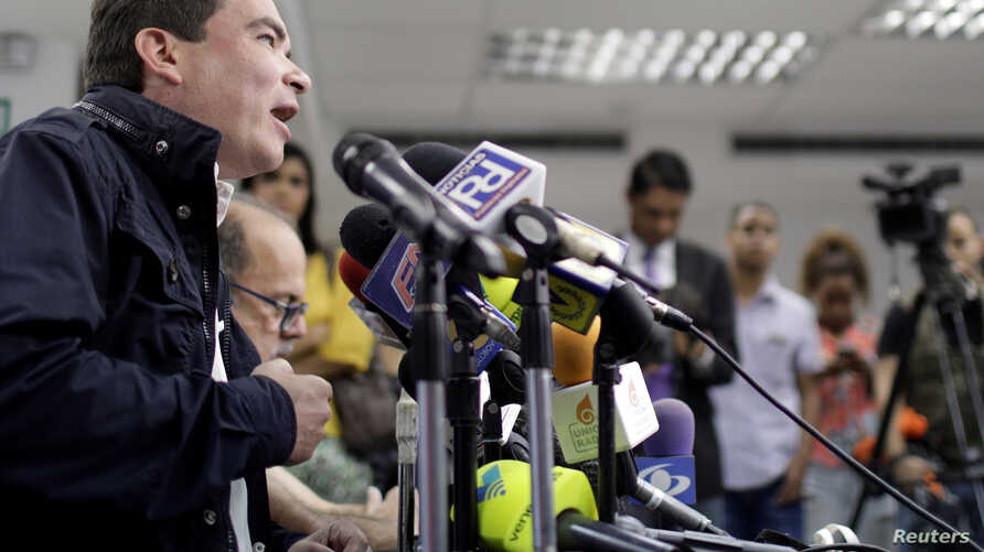 Tomas Guanipa, deputy of the Venezuelan coalition of opposition parties (MUD), attends a news conference in Caracas, Venezuela, Oct. 6, 2017.