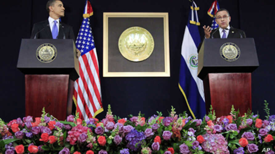 US President Barack Obama with President of El Salvador Mauricio Funes during their joint news conference at the National Palace in San Salvador, March 22, 2011