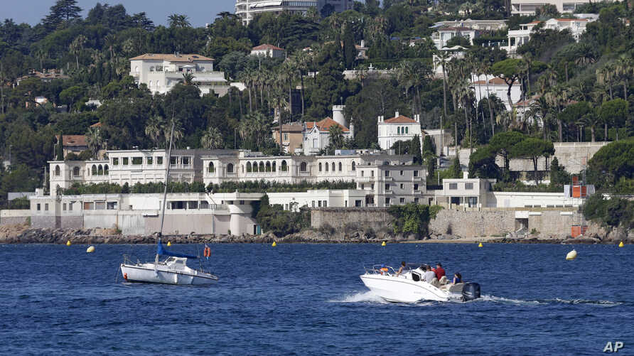 The mansion owned by the the king of Saudi Arabia, is seen in Golfe Juan Vallauris, southeastern France, July 26, 2015.