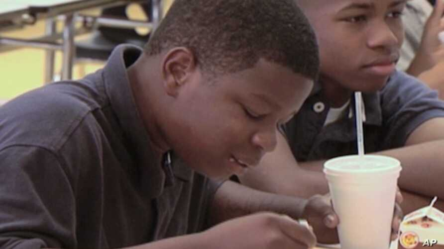 Children at this Mississippi school are getting better lunch choices as part of an effort to combat childhood obesity in the state.
