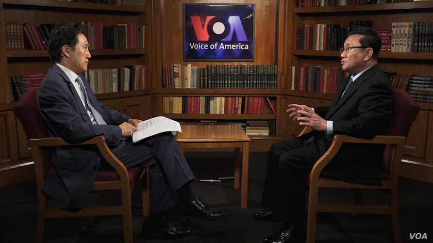 Former North Korean official Ri Jong Ho, who worked for the North Korean government for about 30 years, speaks with VOA Korean Service's Baik Sungwon.