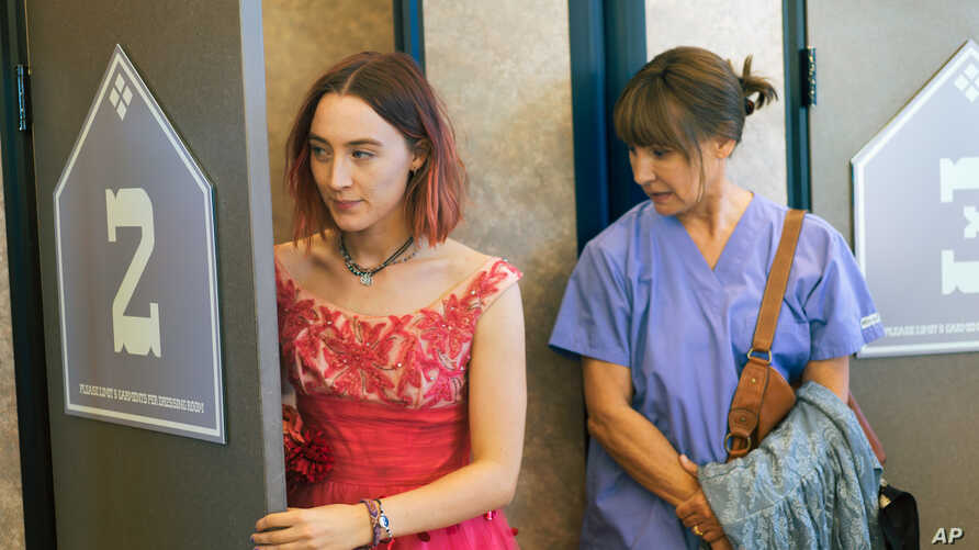"""This image released by A24 Films shows Saoirse Ronan, left, and Laurie Metcalf in a scene from """"Lady Bird."""" The 62-year-old Metcalf has already gotten supporting actress nominations from the Screen Actors Guild, the Golden Globes and the Independent"""