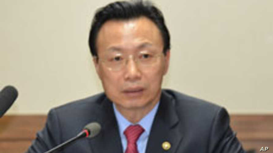 ROK Unification Ministry vice minister Kim Chun-sig, speaking to correspondents