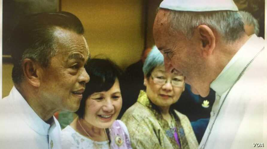 tun-sovan-and-pope-closer