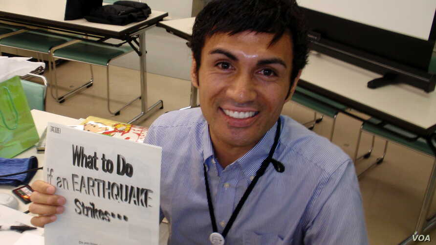New Zealander Kaleb Urike used social media to let people know he survived last year's Japanese earthquake and tsunami.(T. Banse/VOA)