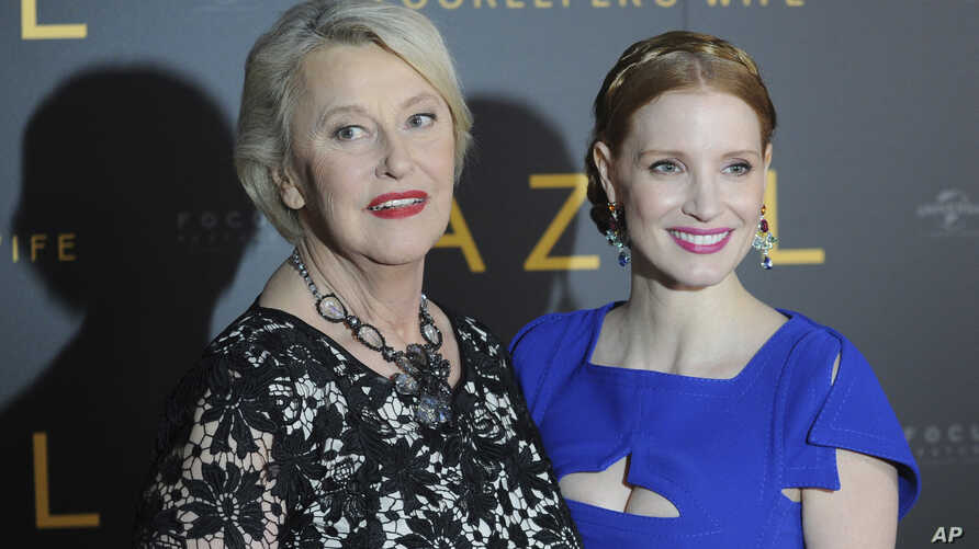 """Jessica Chastain (right) who plays the main character, and Teresa Zabinska, the daughter of Jan and Antonina Zabinski, pose at the gala screening of """"The Zookeeper's Wife,"""" in Warsaw, Poland, March 7, 2017."""